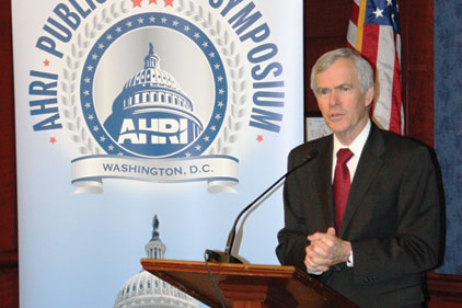 Sen. Jeff Bingaman addresses AHRI