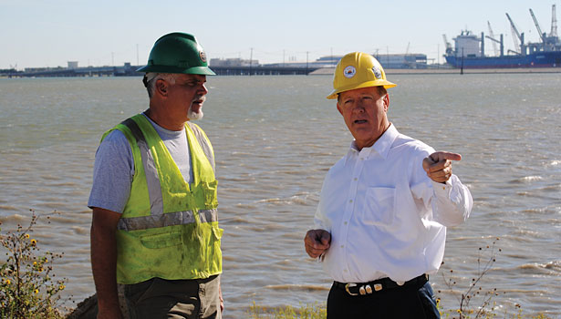 Randy Weber meets with worker