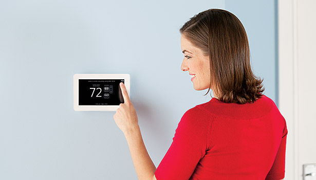 The iComfort Wi-Fi thermostat from Lennox Intl. Inc. allows homeowners to personalize the unit with a photo or implement a skin to match the room decor.