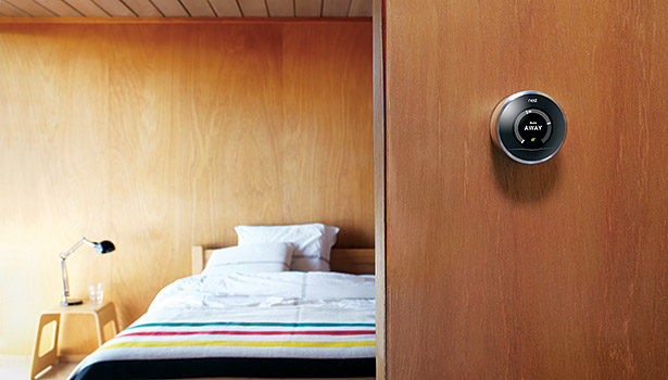 The Nest Learning Thermostat programs itself by learning customersâ?? preferred temperatures and personalizing schedules to deliver comfort and energy savings.