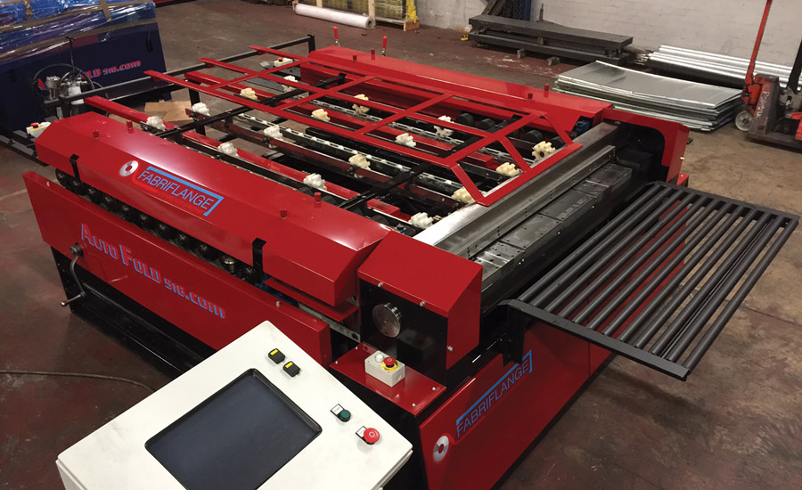 Advance Cutting Systems featured its new Autofold Fabri-Flange TDF/C System at the AHR Expo in Orlando.