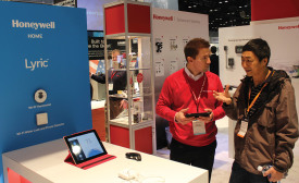 Honeywell introduced the second-generation Lyric thermostat with geofencing, which integrates with the Apple Home Kit.